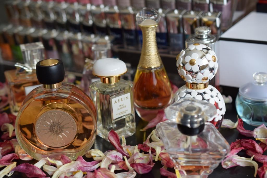 Quelques liens utiles - Comment ranger ses parfums ...